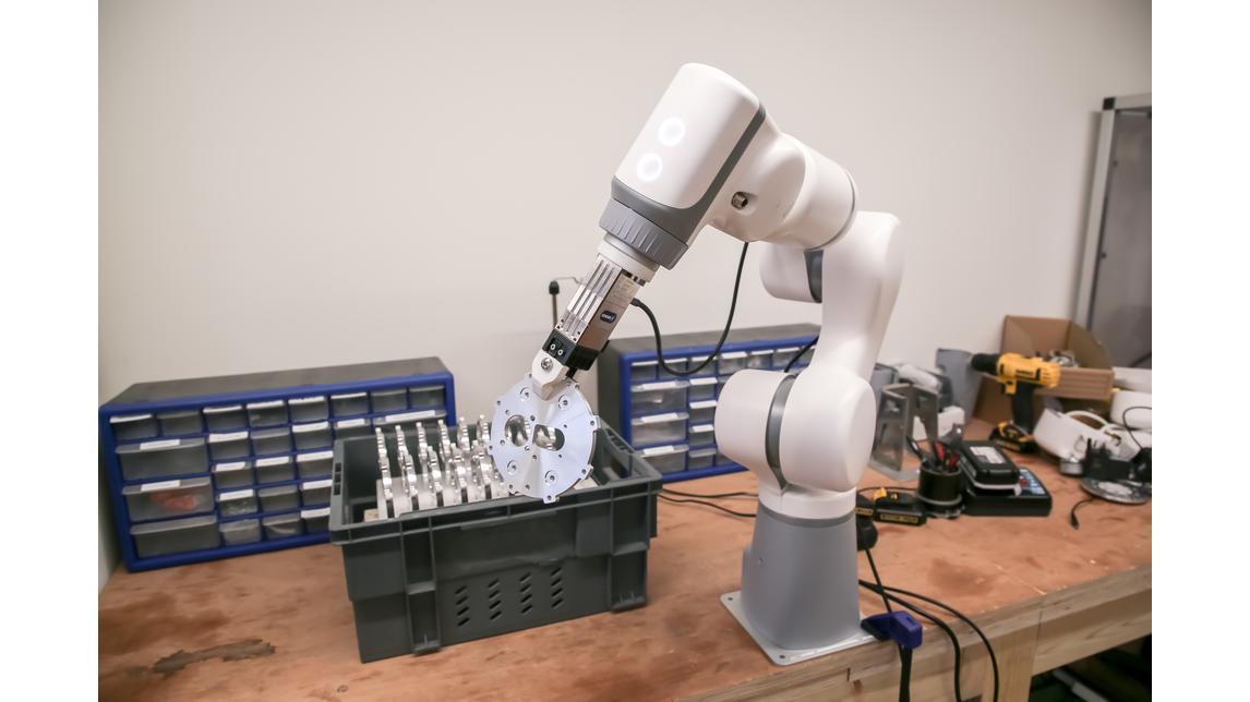 Logo Eva is a portable industrial robot