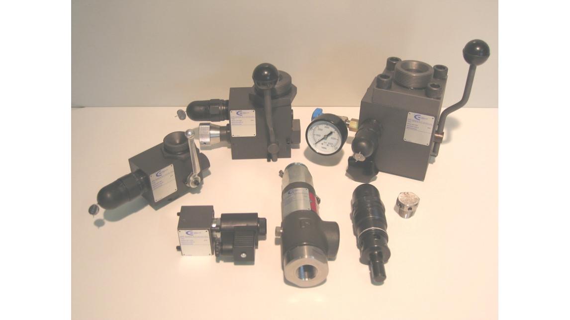 Logo accessories for hydropneumatic accumulators