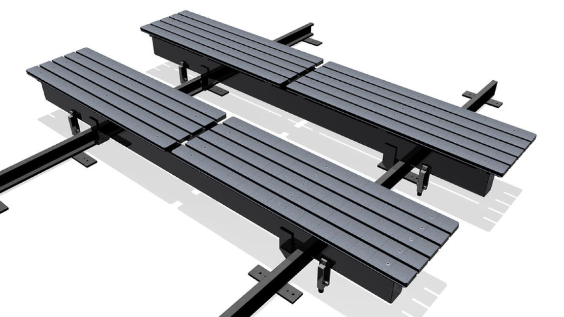 Logo On rails moveable welding tables