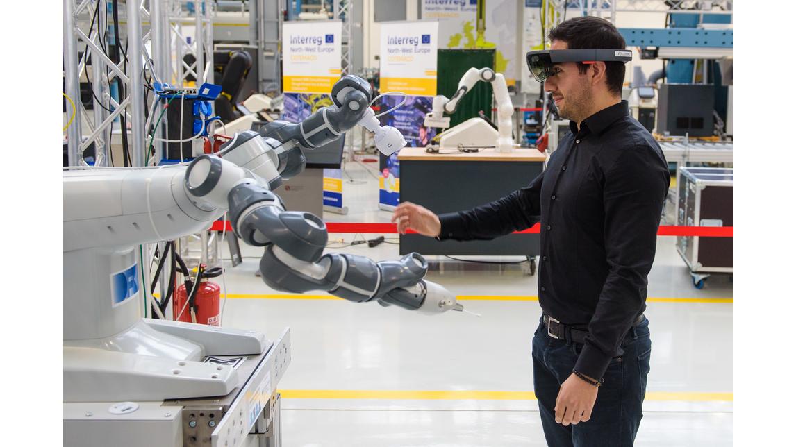 Logo Smart Human-Robot Teams