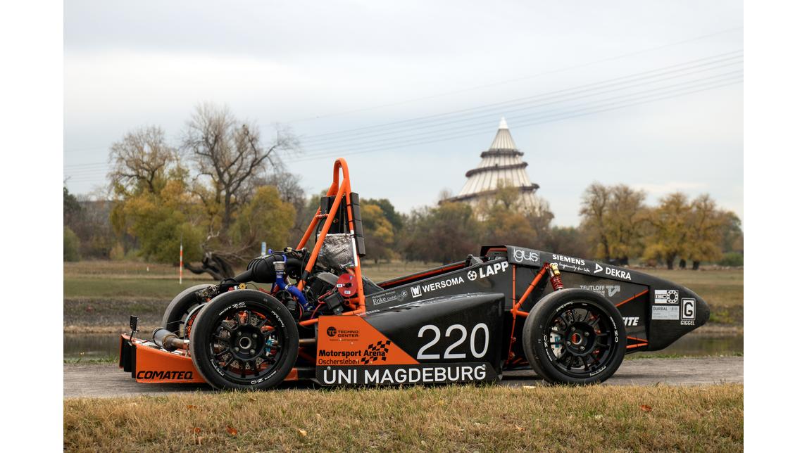 Logo UMD Racing
