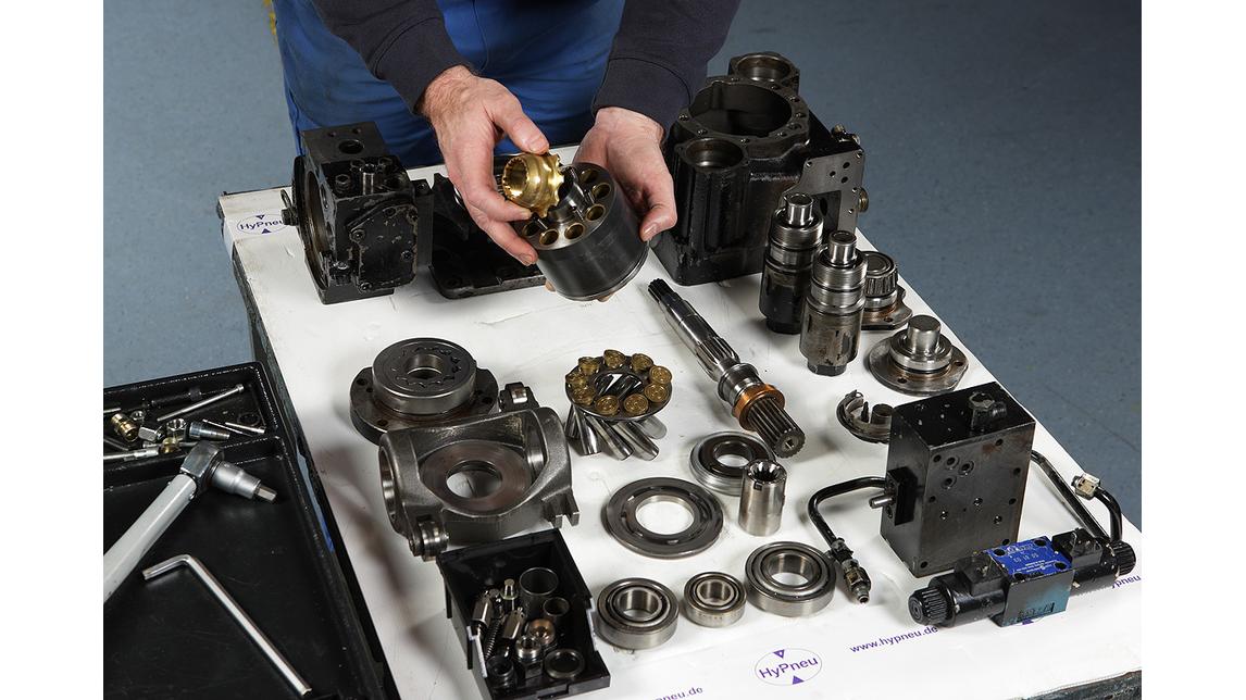 Logo hydraulic engine repair