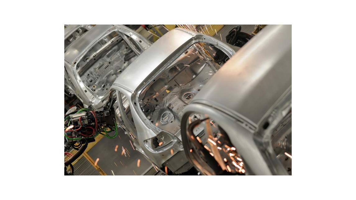 Logo Reinigung in der Automobilindustrie